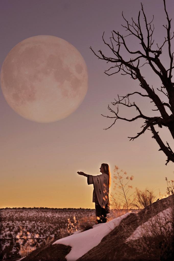 TAM_3807_moon